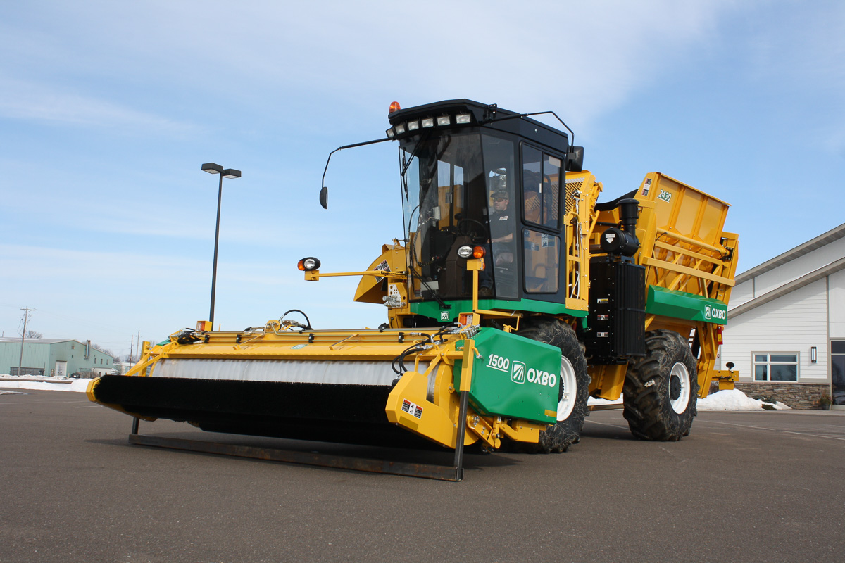 Oxbo 2430 Fresh Market Bean Harvester