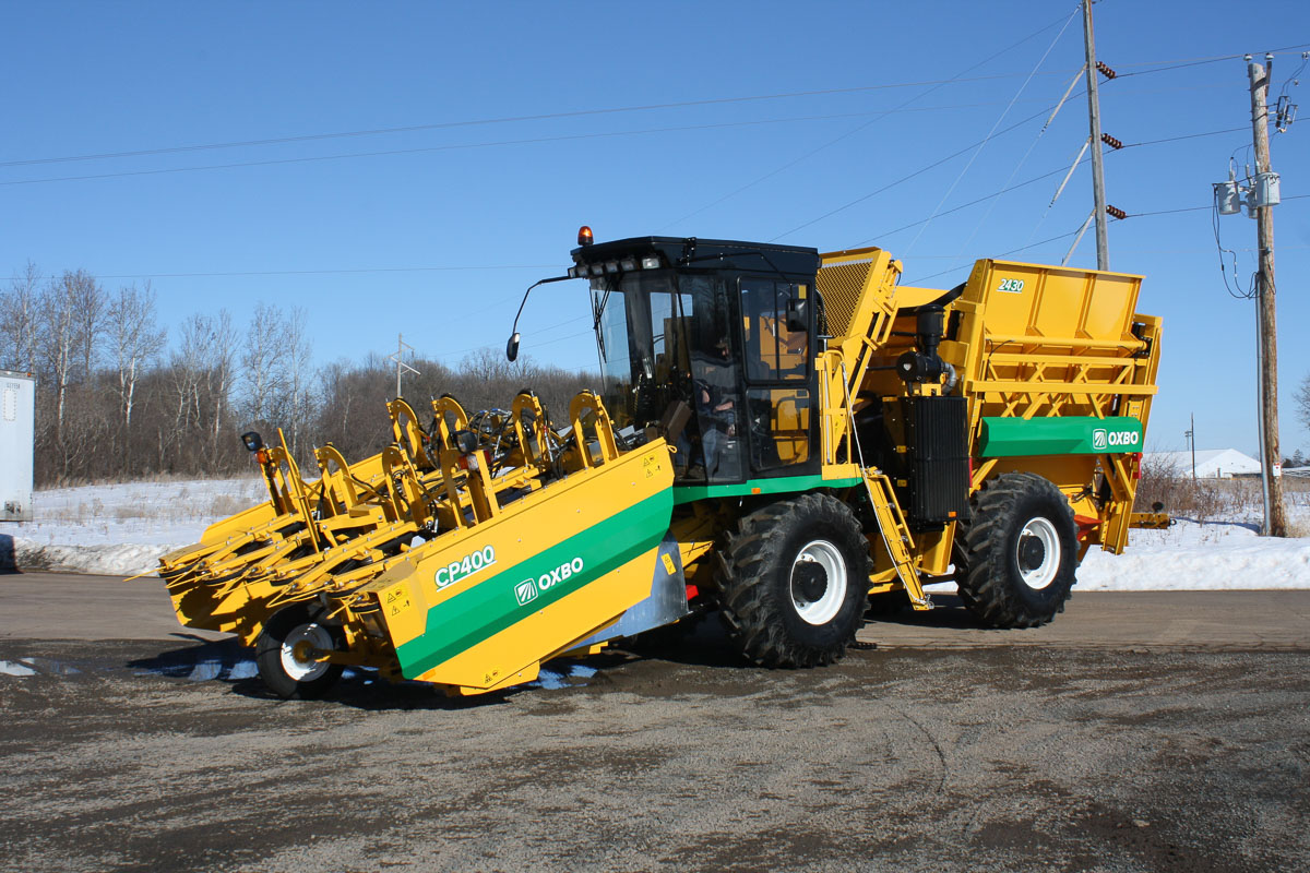 Oxbo 2430 Fresh Market Sweet Corn Harvester