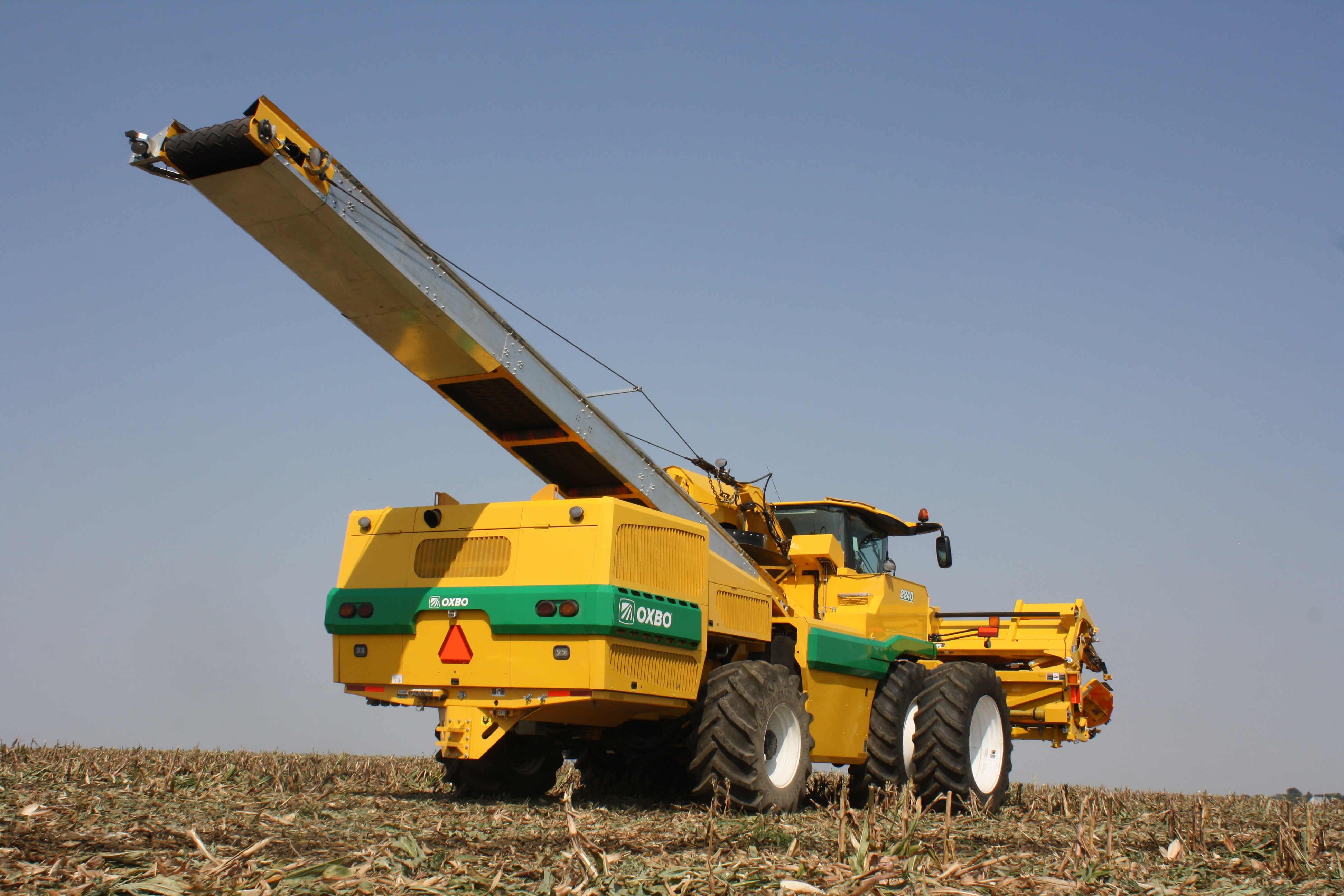 Oxbo 8840 Seed Corn Harvester Features and Benefits